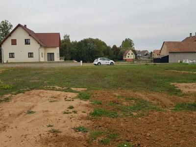 Terrain à bâtir, 326 m²