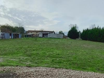 Terrain à bâtir, 587 m²