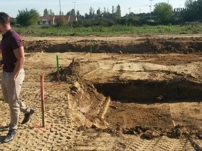 Terrain à bâtir, 2 353 m²