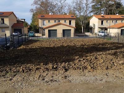 Terrain à bâtir, 301 m²