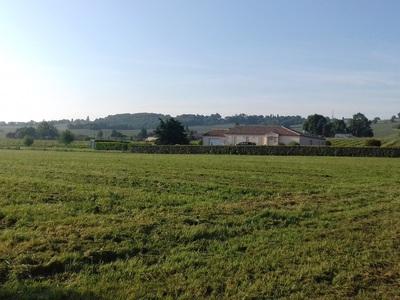 Terrain neuf, 1 450 m²