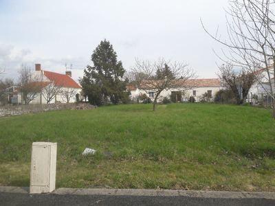 Terrain à bâtir, 588 m²